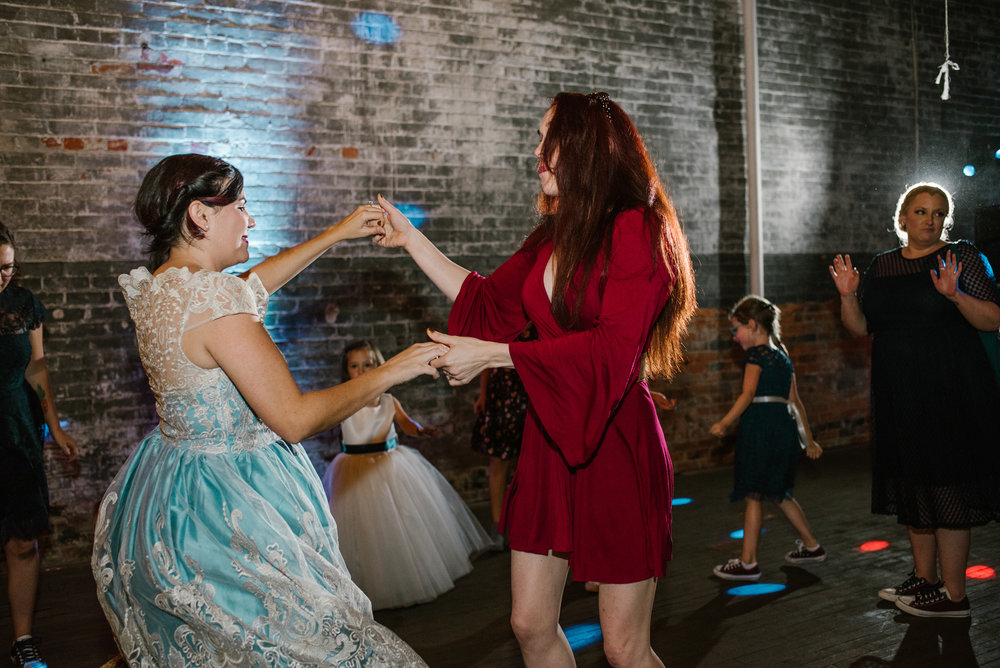 eastern-market-detroit-michigan-dancing-photos-sydney-marie (9).jpg