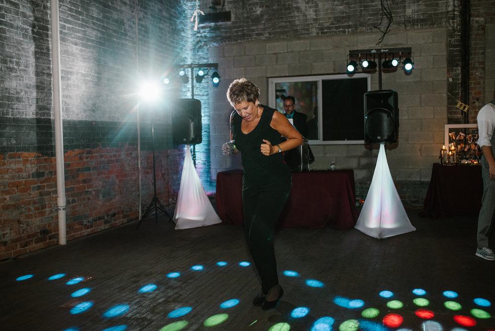 eastern-market-detroit-michigan-dancing-photos-sydney-marie (12).jpg