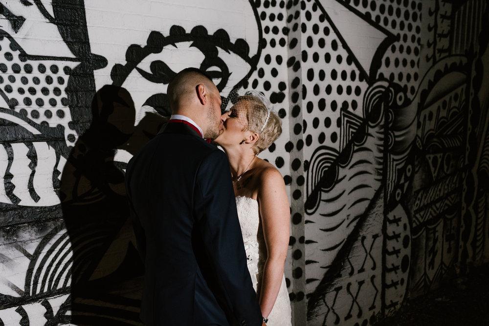 eastern-market-detroit-michigan-wedding-photographer (3).jpg