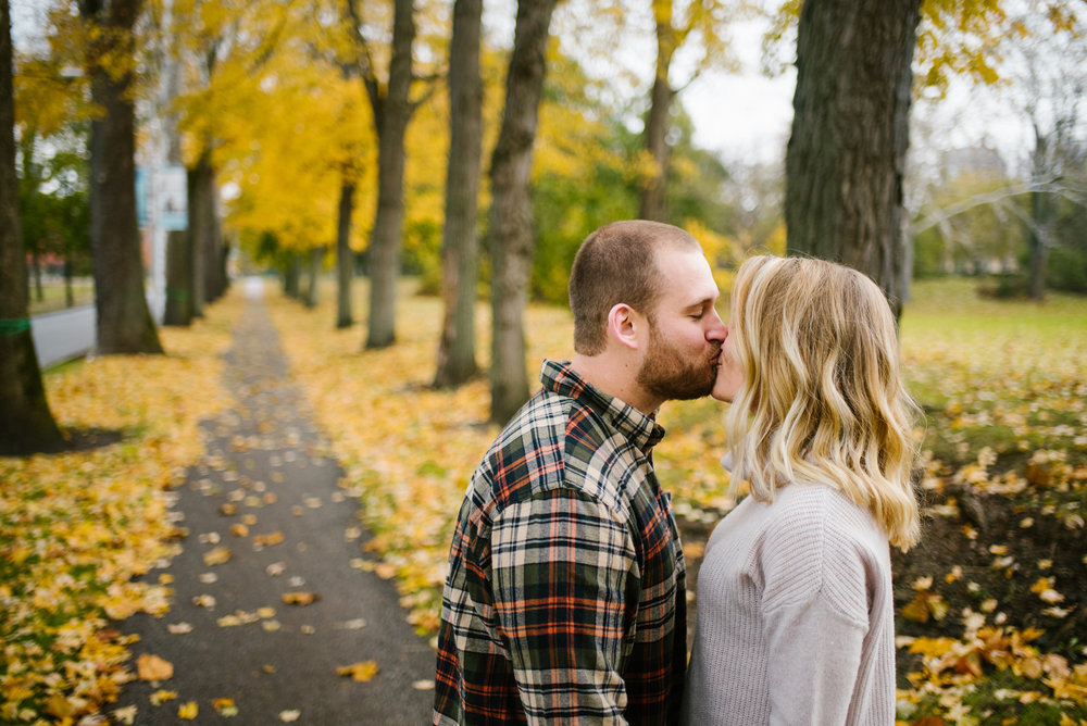 south-bend-indiana-fall-engagement-photographer-sydney-marie (28).jpg