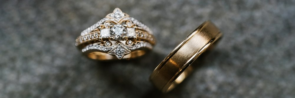 indiana-wedding-photographer-rings-sydney-marie.jpg