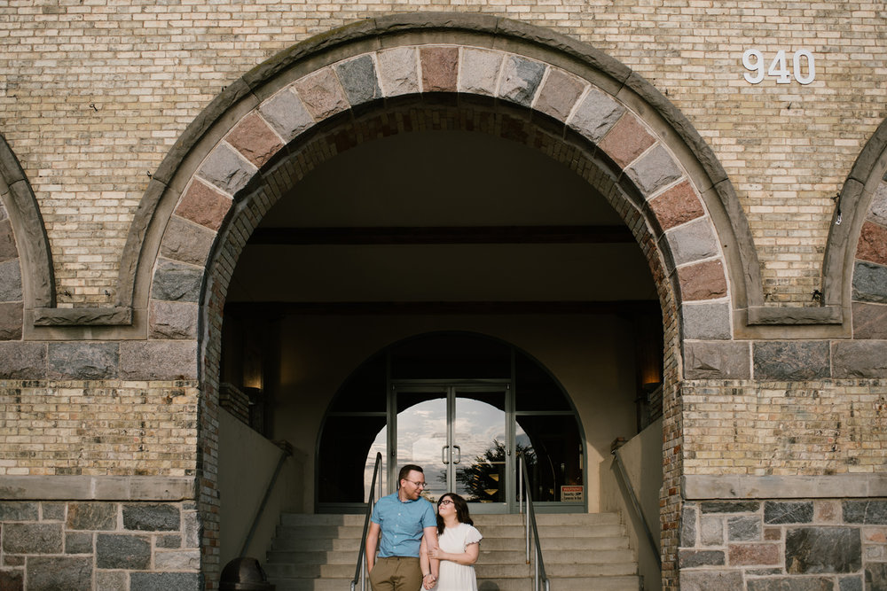 downtown-grand-rapids-engagement-photographer (3).jpg