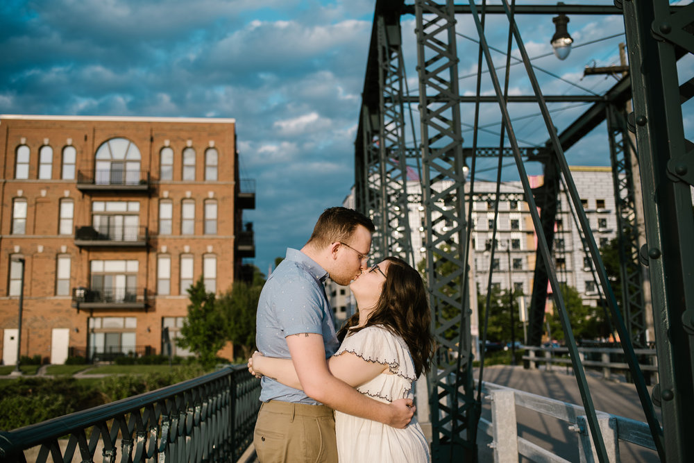 downtown-grand-rapids-engagement-photographer (48).jpg