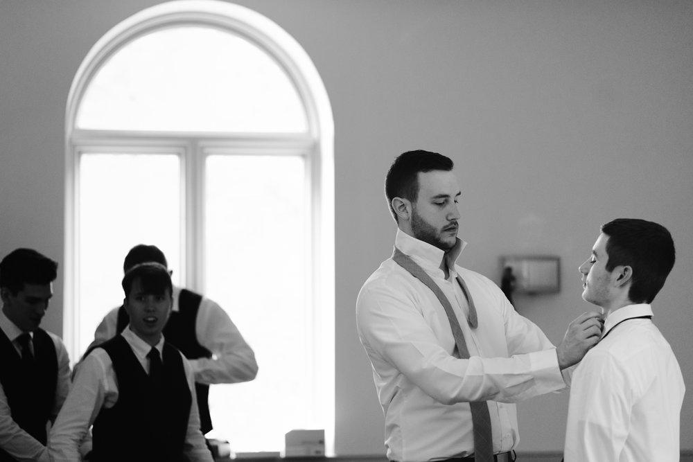 bloomington-Illinois-Wesleyan University-wedding-photographer (28).jpg