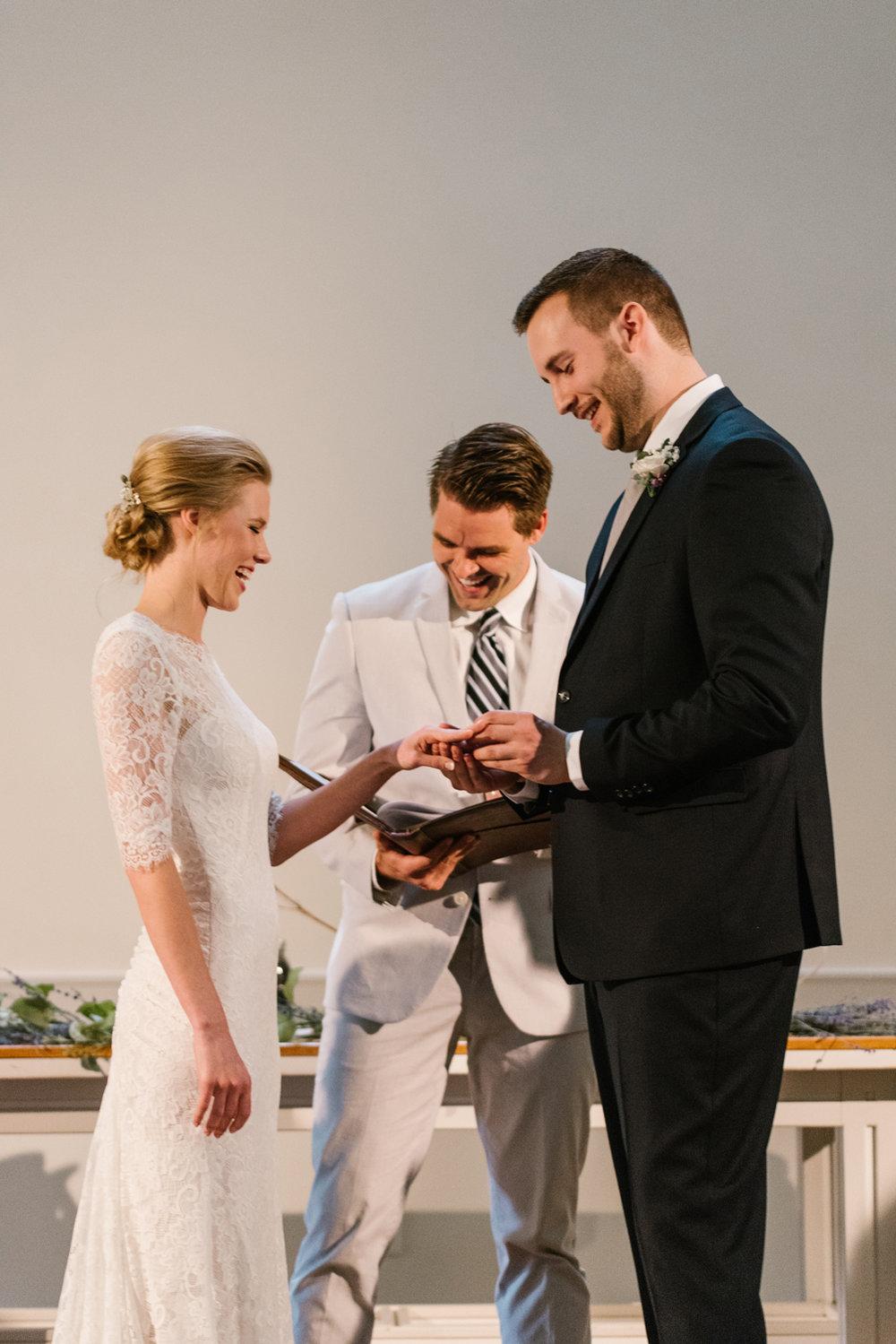 bloomington-Illinois-Wesleyan University-wedding-photographer (201).jpg