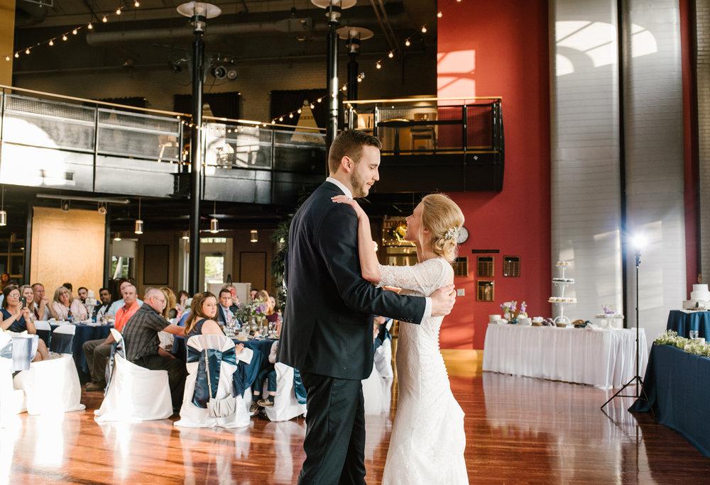 bloomington-Illinois-Wesleyan University-wedding-photographer (694).jpg