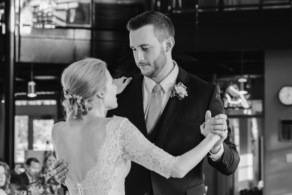 bloomington-Illinois-Wesleyan University-wedding-photographer (687).jpg
