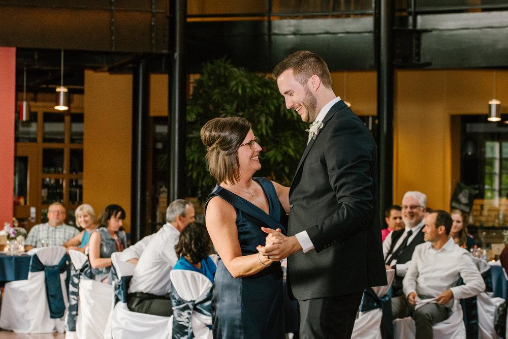 bloomington-Illinois-Wesleyan University-wedding-photographer (730).jpg