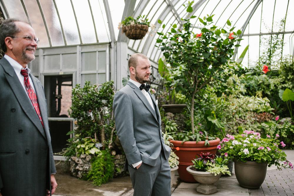 detroit-michigan-belle-isle-wedding-photographer (33).jpg