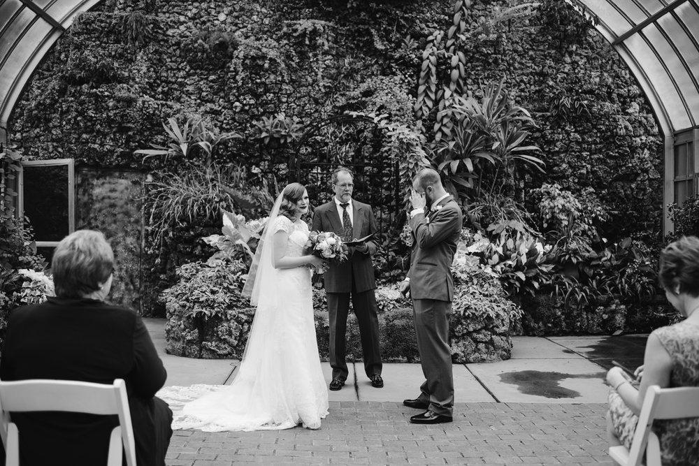 detroit-michigan-belle-isle-wedding-photographer (56).jpg