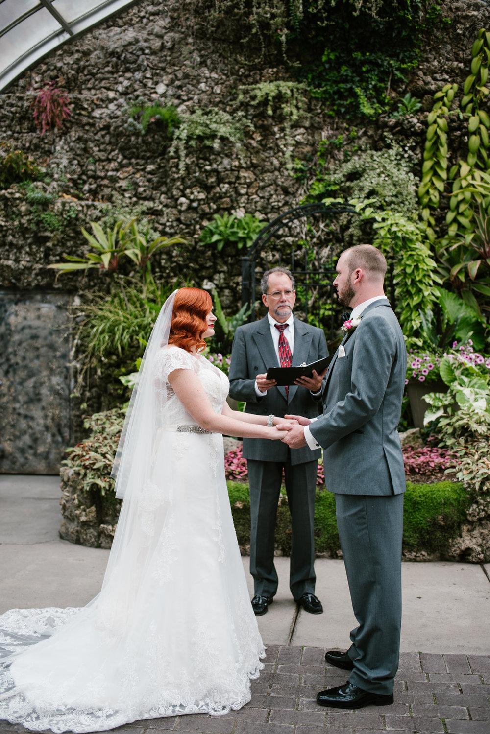 detroit-michigan-belle-isle-wedding-photographer (64).jpg
