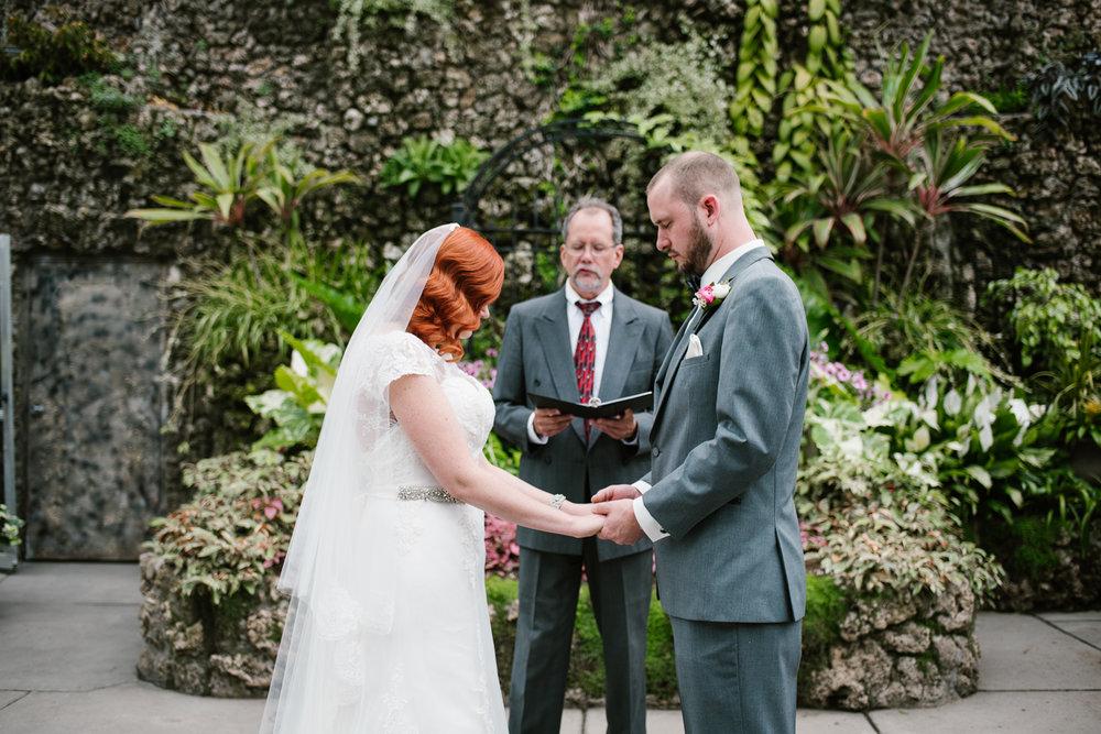 detroit-michigan-belle-isle-wedding-photographer (81).jpg