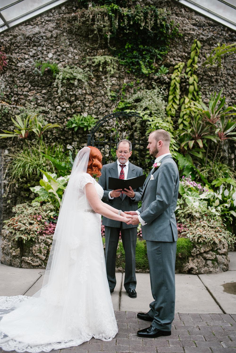 detroit-michigan-belle-isle-wedding-photographer (83).jpg