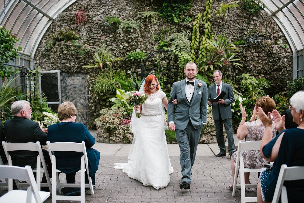 detroit-michigan-belle-isle-wedding-photographer (90).jpg
