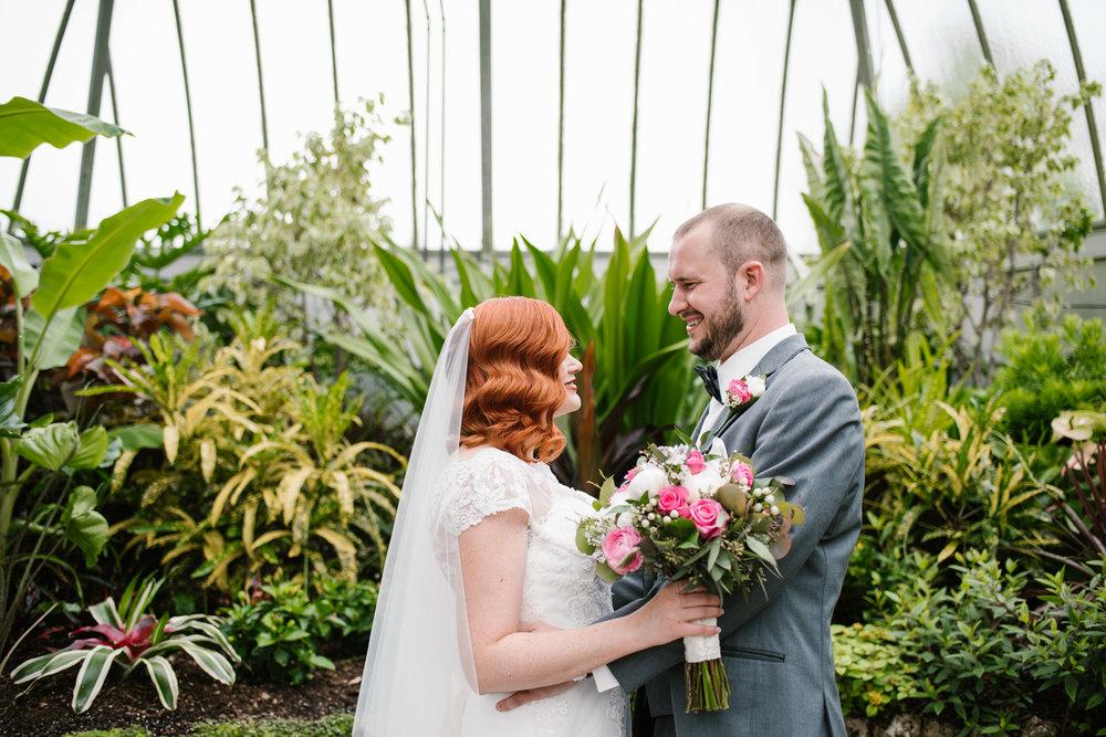 detroit-michigan-belle-isle-wedding-photographer (180).jpg