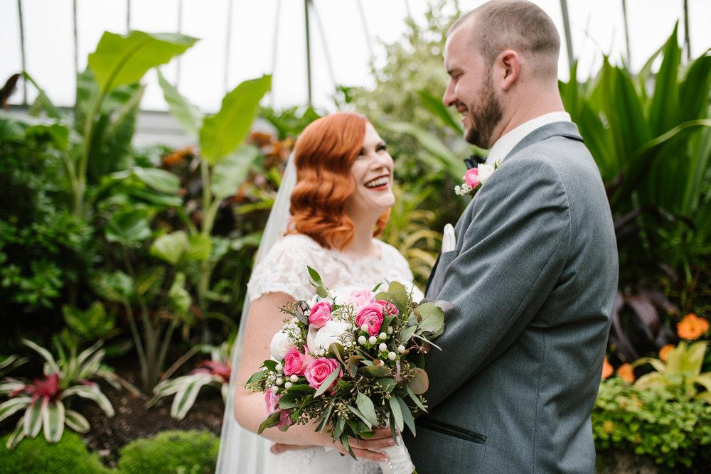 detroit-michigan-belle-isle-wedding-photographer (184).jpg