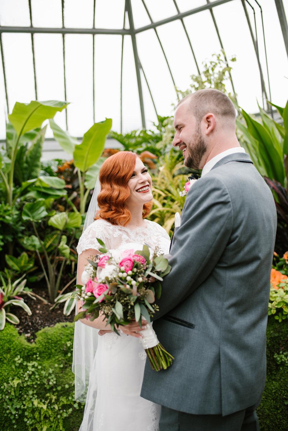 detroit-michigan-belle-isle-wedding-photographer (186).jpg