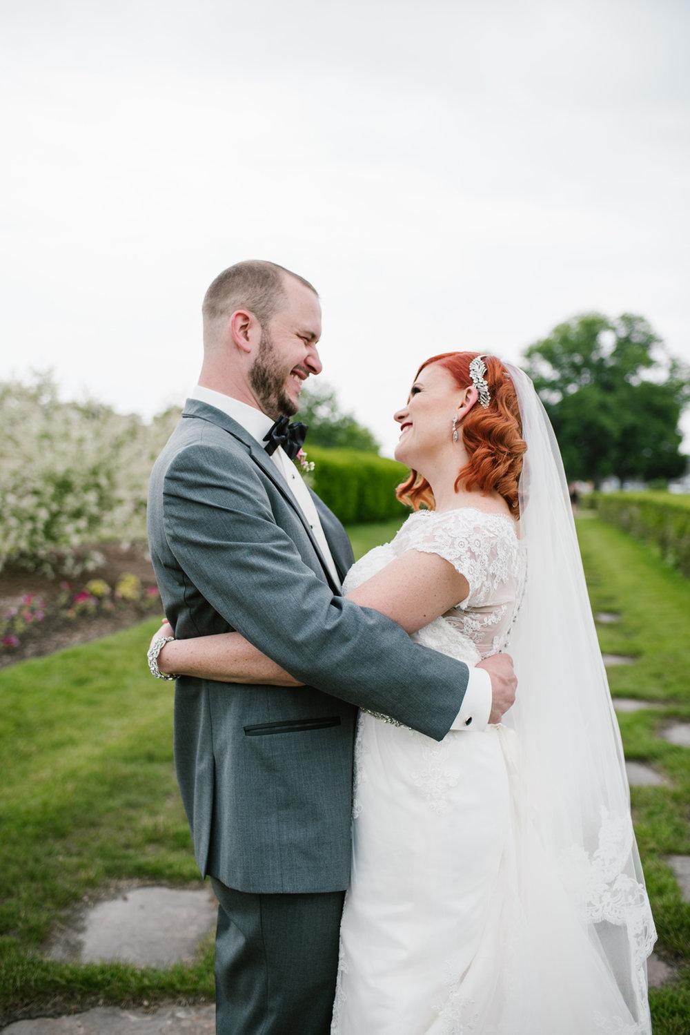 detroit-michigan-belle-isle-wedding-photographer (245).jpg
