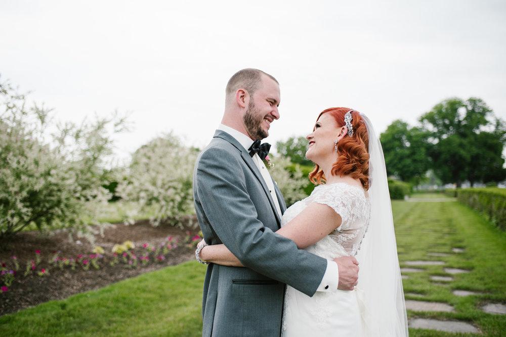 detroit-michigan-belle-isle-wedding-photographer (250).jpg