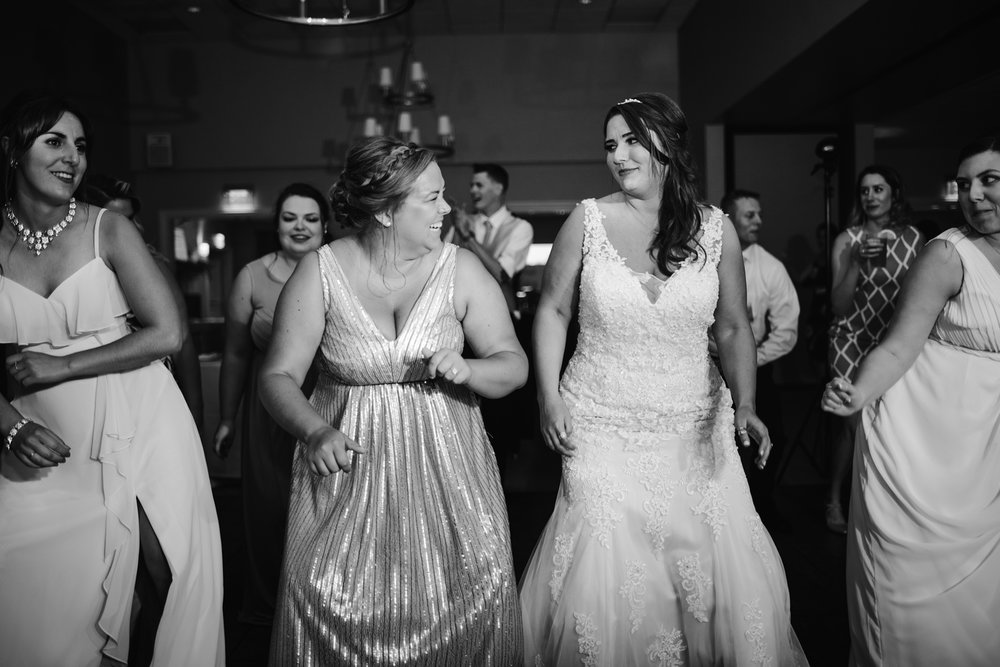 muskegon-country-club-michigan-june-wedding-photography (785).jpg