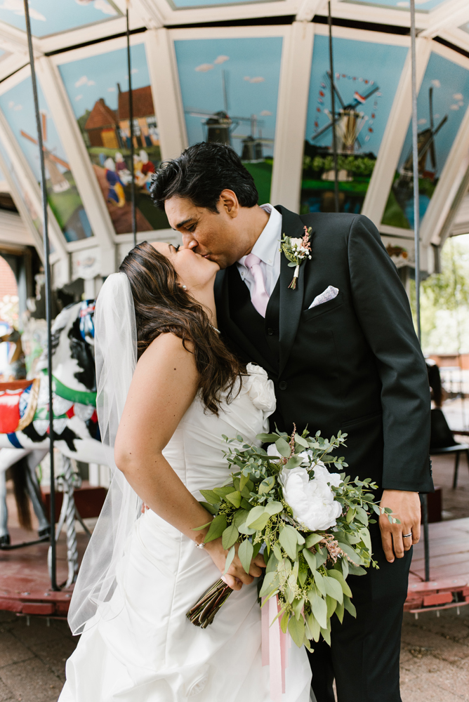 holland-michigan-wedding-photographer (61).jpg