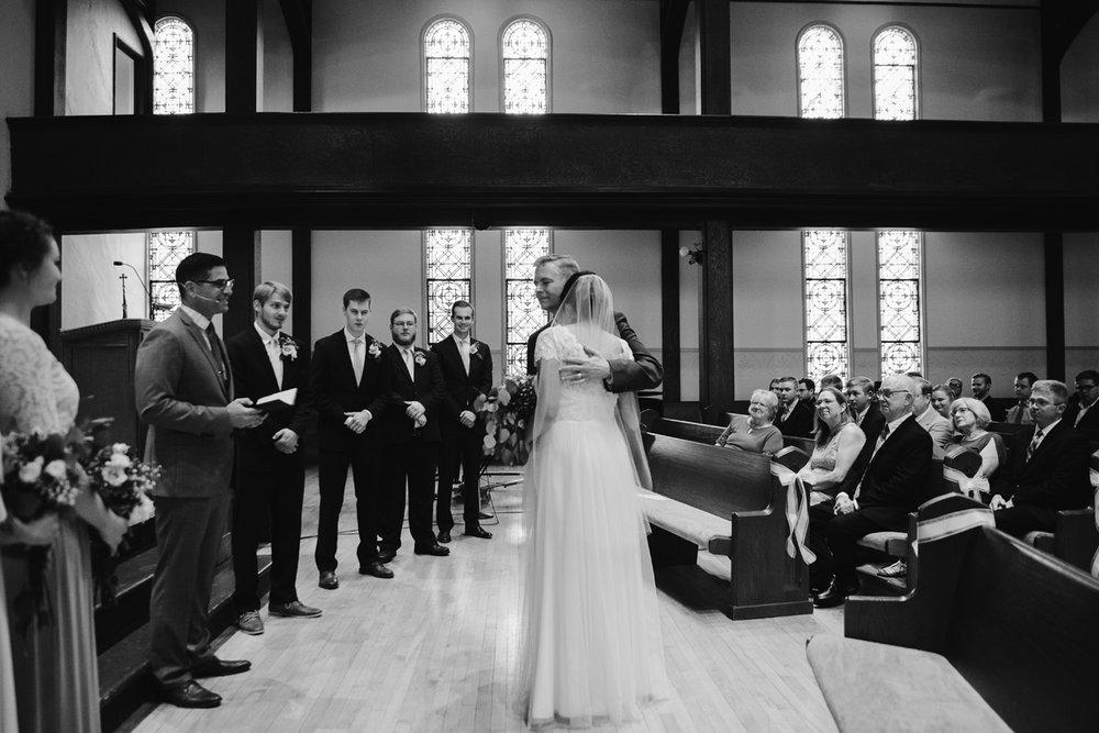 hillsdale-michigan-wedding-photographer (28).jpg