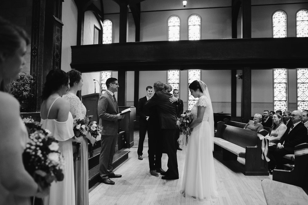 hillsdale-michigan-wedding-photographer (29).jpg