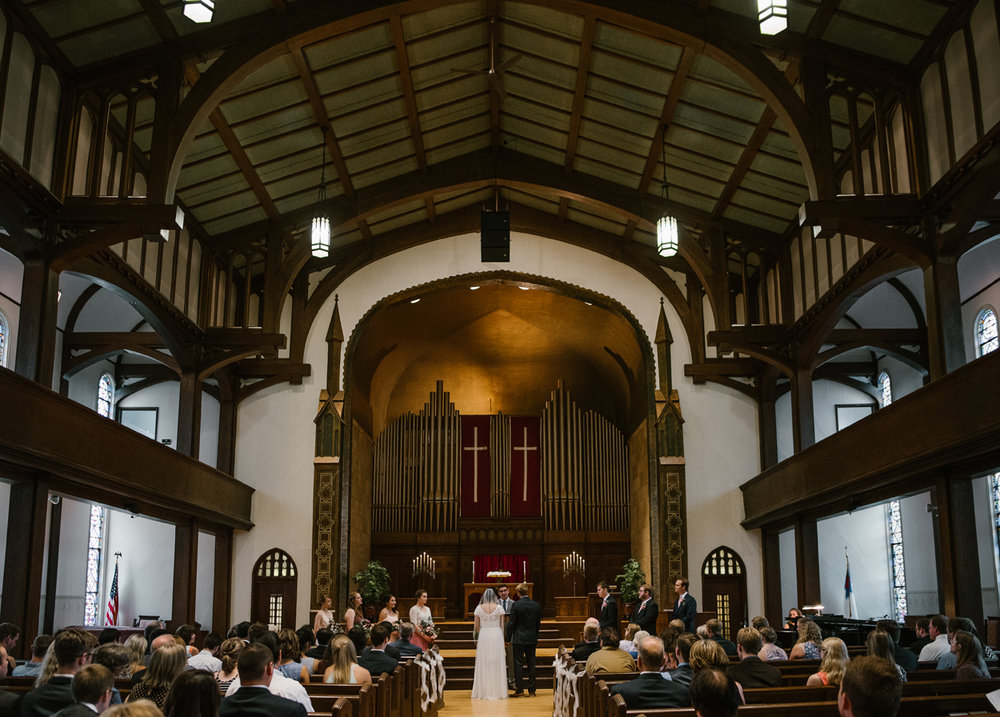 hillsdale-michigan-wedding-photographer (30).jpg