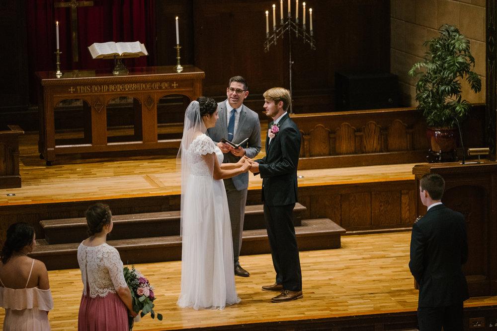hillsdale-michigan-wedding-photographer (34).jpg