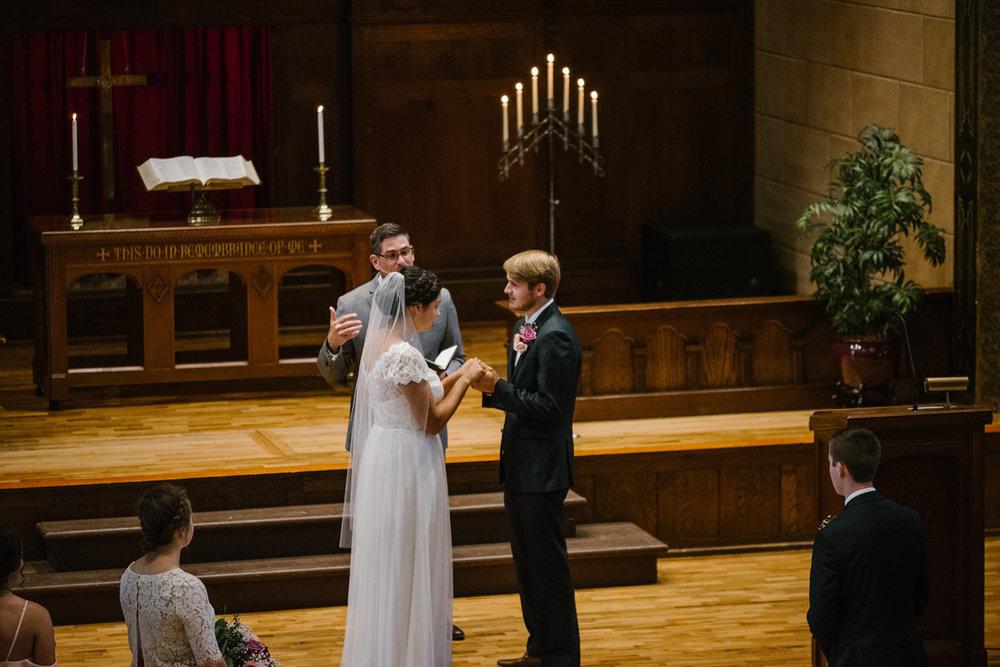 hillsdale-michigan-wedding-photographer (35).jpg