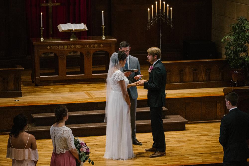 hillsdale-michigan-wedding-photographer (36).jpg