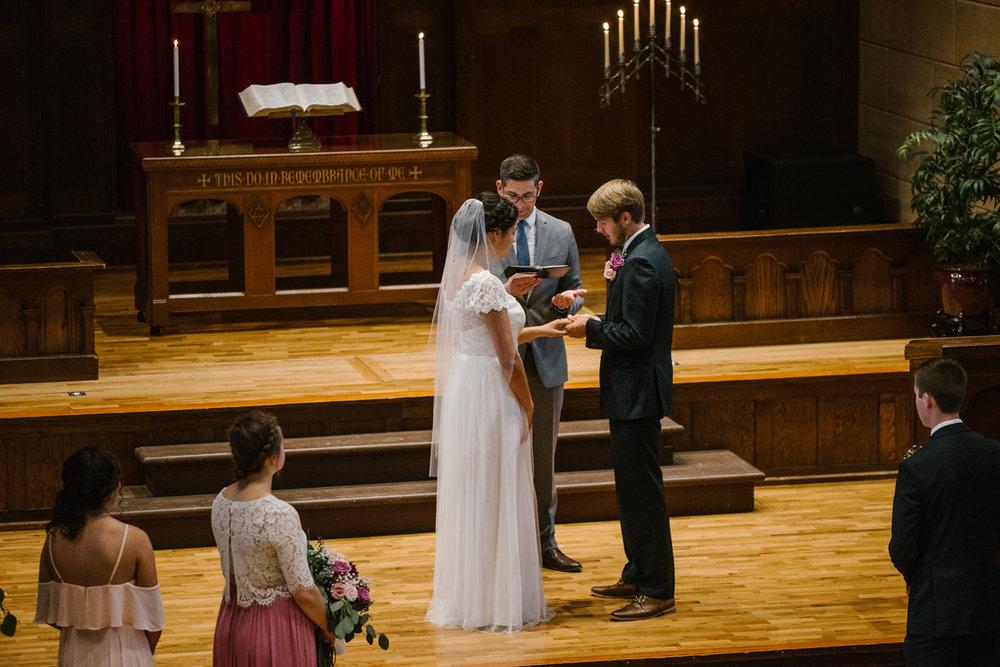 hillsdale-michigan-wedding-photographer (37).jpg