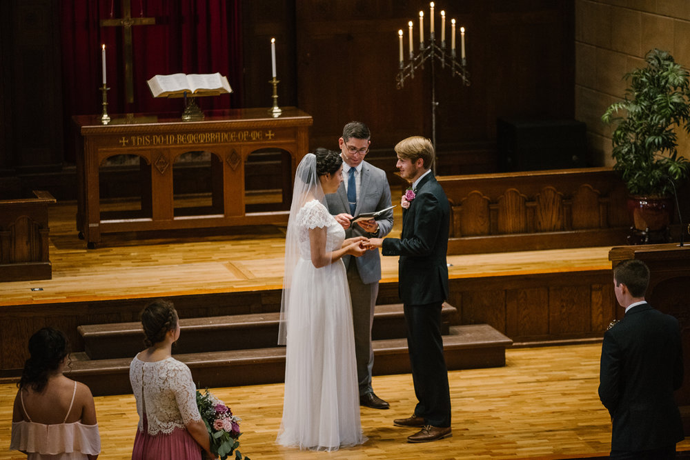 hillsdale-michigan-wedding-photographer (39).jpg