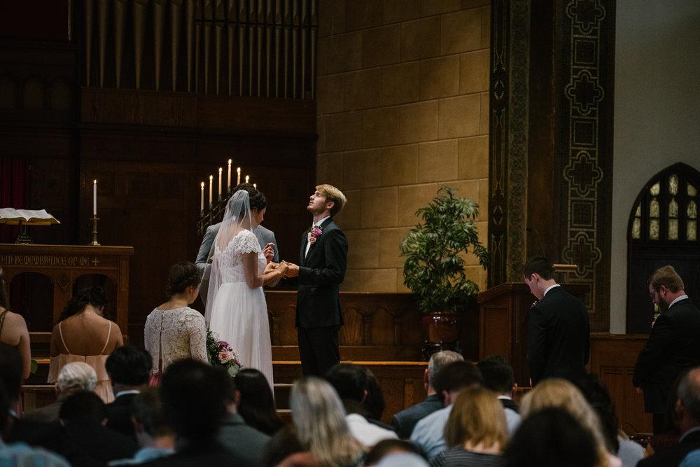 hillsdale-michigan-wedding-photographer (40).jpg
