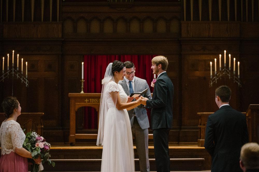 hillsdale-michigan-wedding-photographer (41).jpg