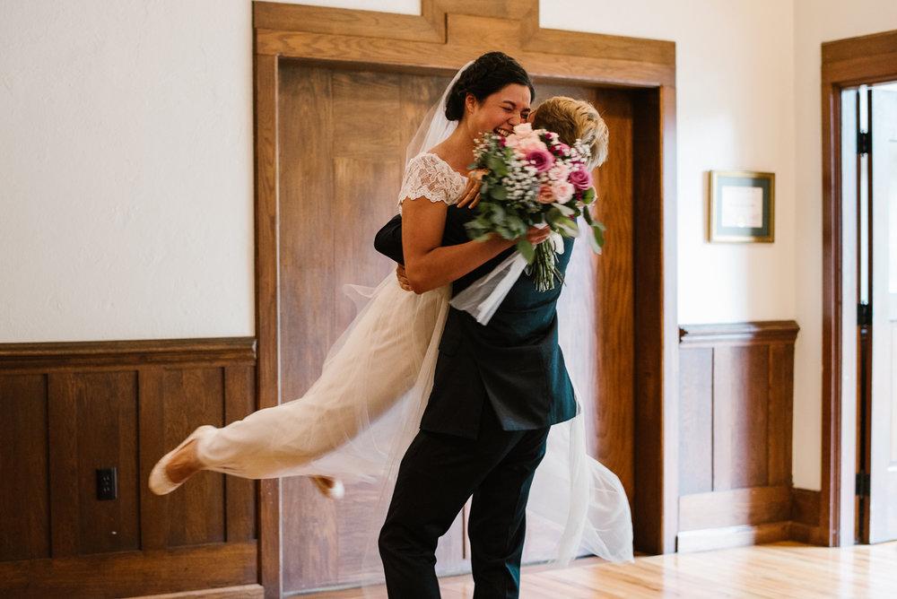 hillsdale-michigan-wedding-photographer (43).jpg