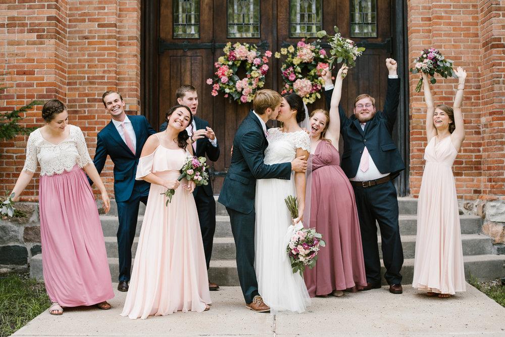 hillsdale-michigan-wedding-photographer (60).jpg