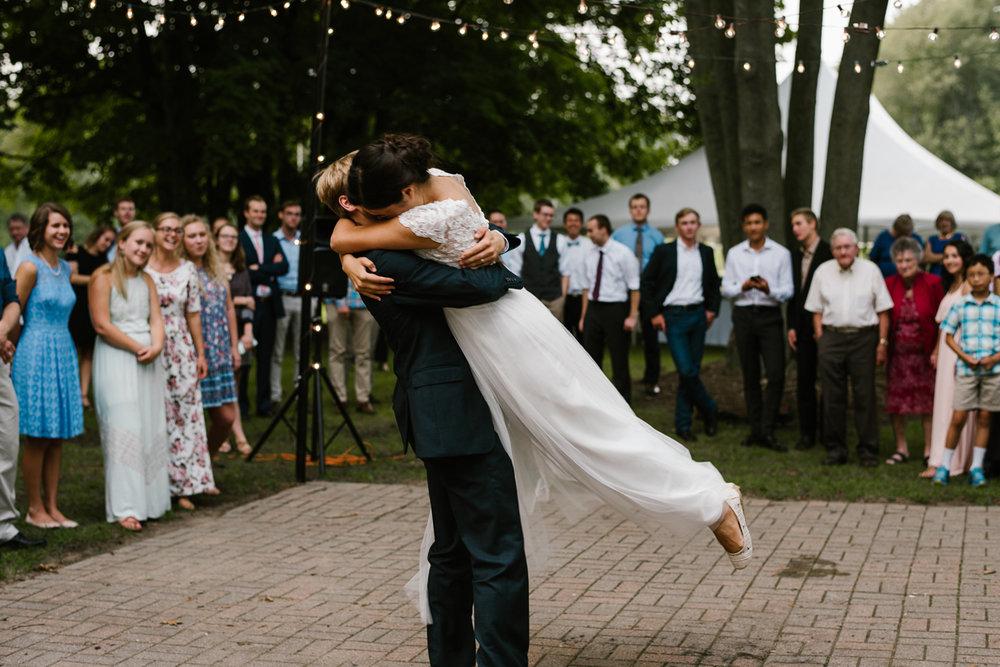 hillsdale-michigan-wedding-photographer (124).jpg
