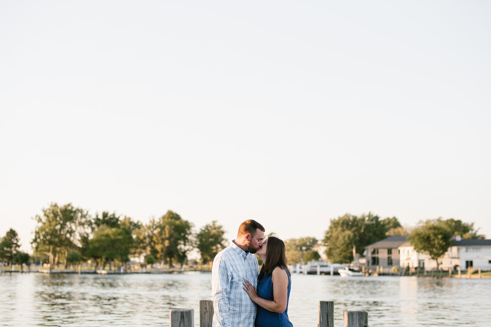 Lake-St-Clair-Metropark-Detroit-Michigan-Engagement (10).jpg