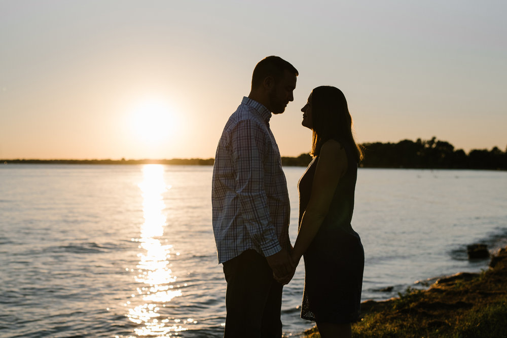 Lake-St-Clair-Metropark-Detroit-Michigan-Engagement (15).jpg
