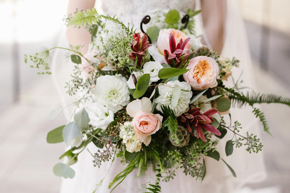 goldner-walsh-greenhouse-wedding-detroit-michigan-photographer (20).jpg