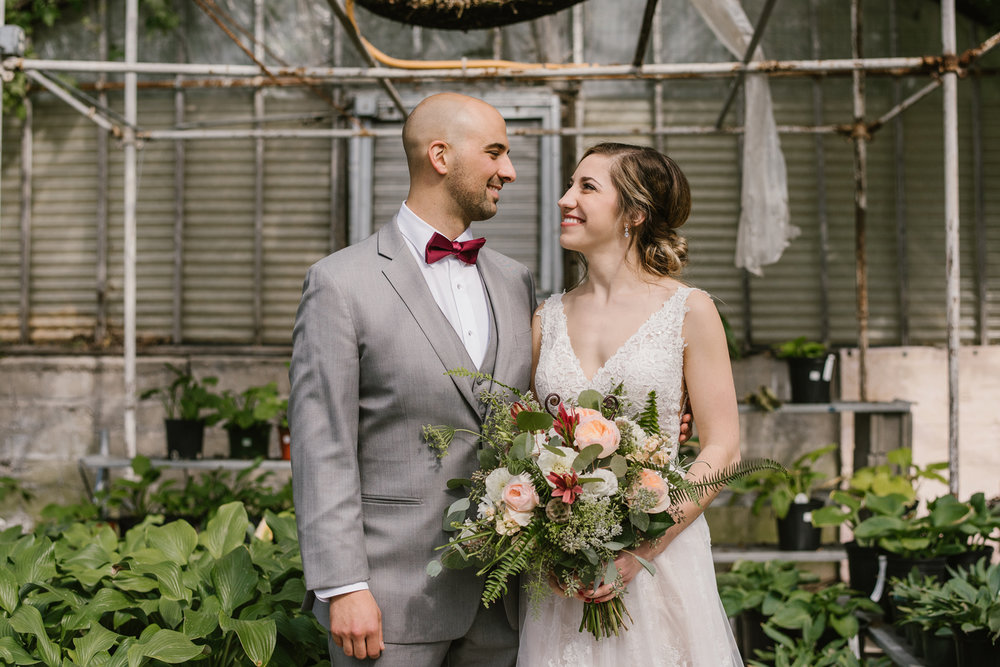 goldner-walsh-greenhouse-wedding-detroit-michigan-photographer (43).jpg