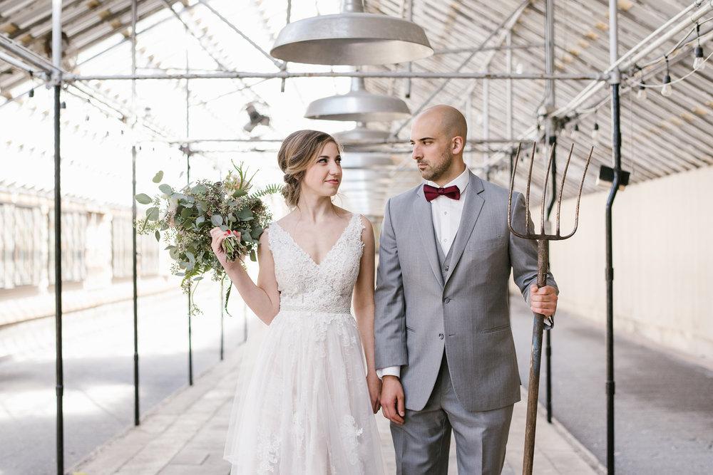 goldner-walsh-greenhouse-wedding-detroit-michigan-photographer (48).jpg