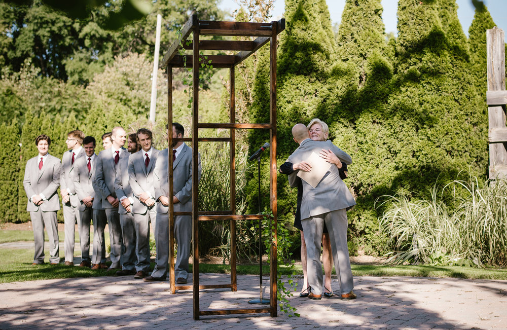 goldner-walsh-greenhouse-wedding-detroit-michigan-photographer (68).jpg