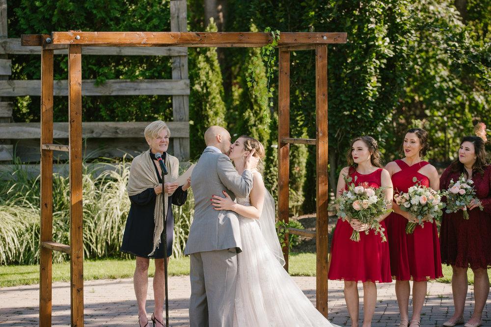 goldner-walsh-greenhouse-wedding-detroit-michigan-photographer (86).jpg