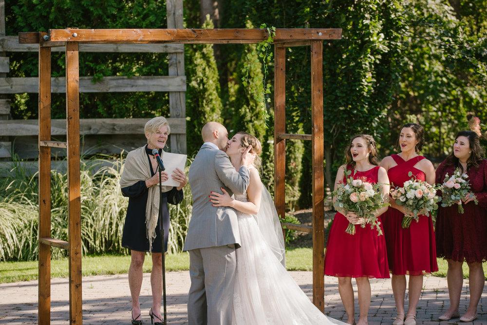 goldner-walsh-greenhouse-wedding-detroit-michigan-photographer (87).jpg