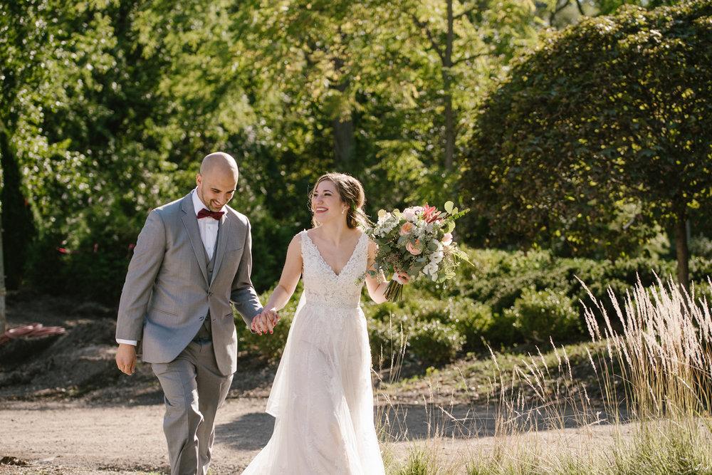 goldner-walsh-greenhouse-wedding-detroit-michigan-photographer (89).jpg