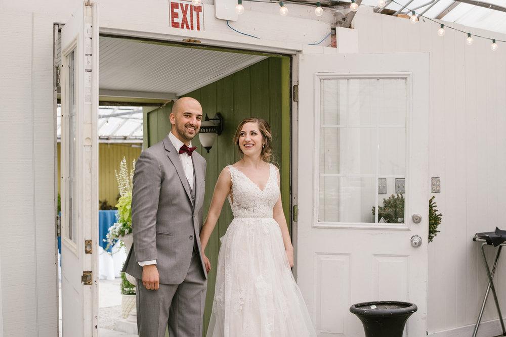 goldner-walsh-greenhouse-wedding-detroit-michigan-photographer (95).jpg