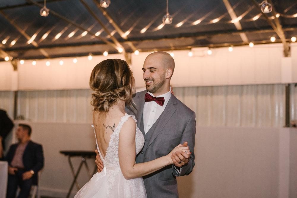 goldner-walsh-greenhouse-wedding-detroit-michigan-photographer (128).jpg