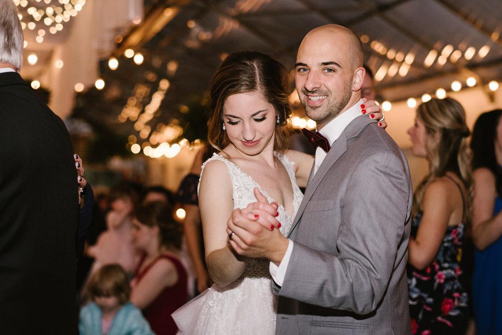 goldner-walsh-greenhouse-wedding-detroit-michigan-photographer (133).jpg